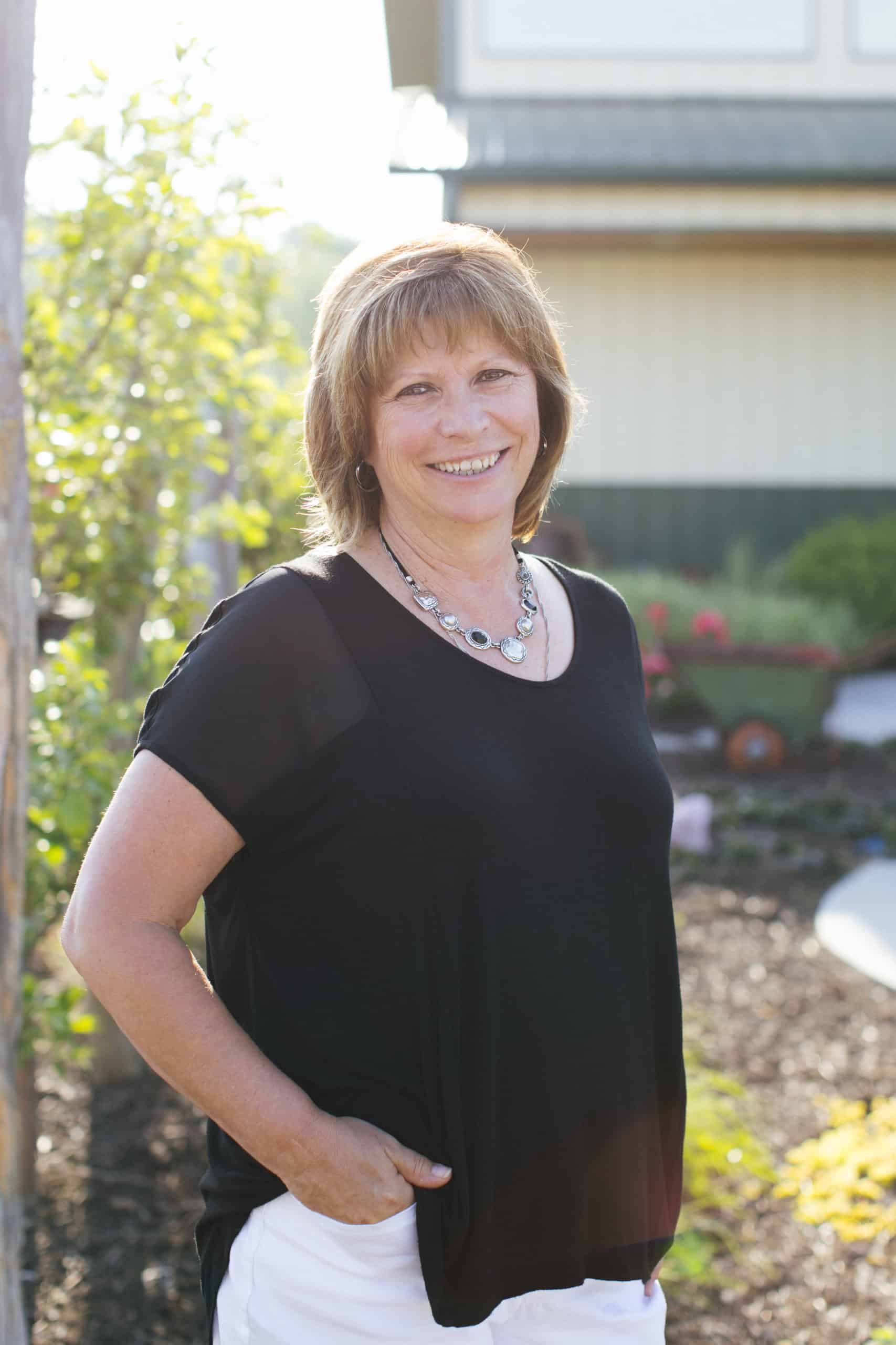 2018 June  08 – Headshots of employees at Sun Valley Landscaping.